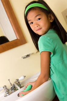 010301 girl washing hands 220